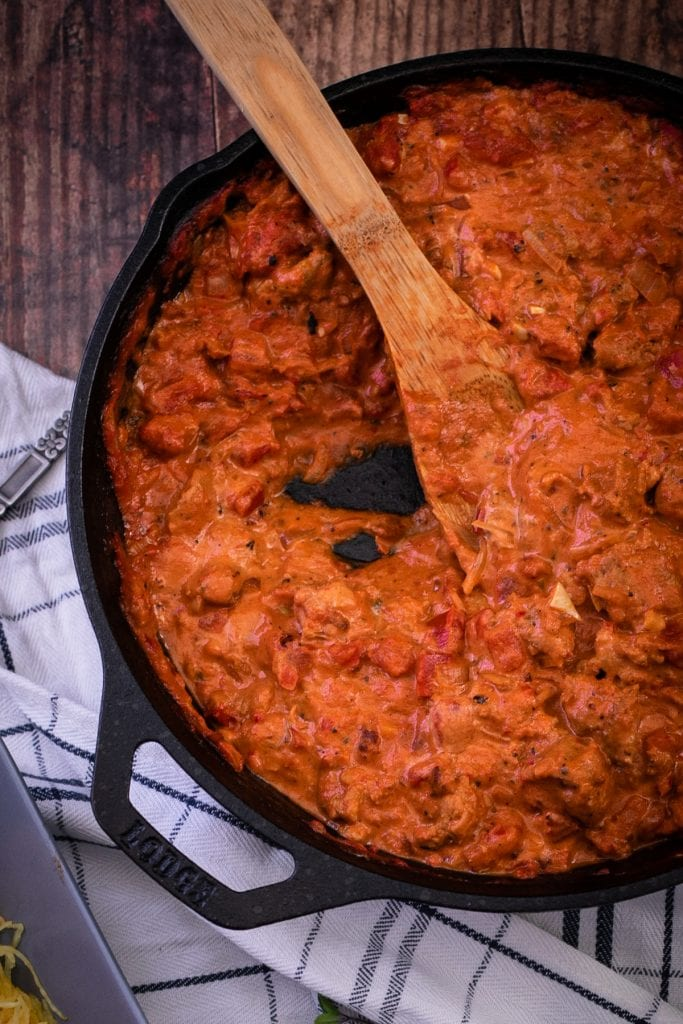 Vodka pasta sauce only 7g net carbs per serving - Wonderful served over a low carb alternative like spaghetti squash #lowcarb #vodkasauce #THMS