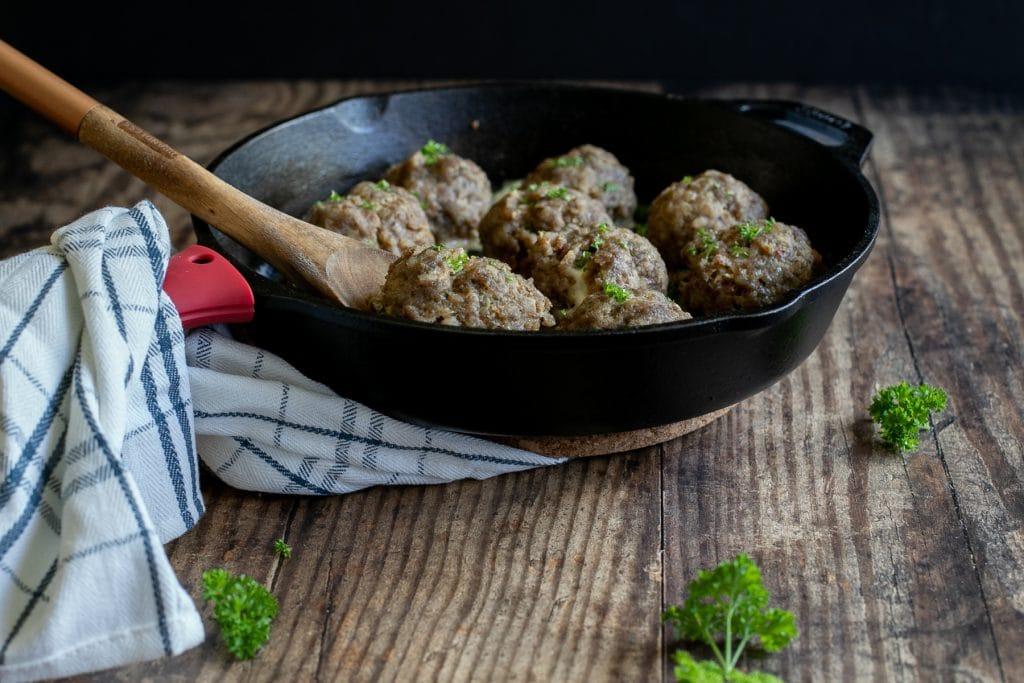 Falafel meatballs stuffed with fresh mozzarella - easy recipe, Middle Eastern cuisine